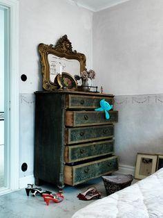 dresser+mirror=love (via ATELIER RUE VERTE le blog)