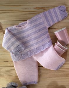 Book Special Peques 5 Autumn / Winter | 13: Baby Sweater | Very light rose / Light mauve