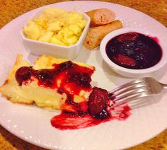 Blintz Soufflé with Berry Sauce & Sausage Blintz Souffle, Breakfast Pictures, Berry Sauce, Sausage Breakfast, Waffles, Berries, Food, Bays, Berry