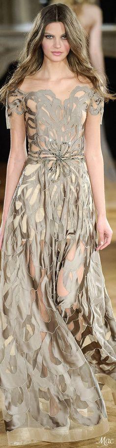 Yulia Yanina Haute Couture Spring 2015 - Alguém me explica esse vestido maravilhoso??