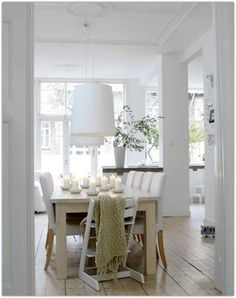 love this dining space!