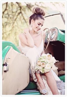 A beautiful shot of the bride at Mike Larson's annual workshop.  Styling by Alchemy Fine Events, Photo by workshop attendee Claudine Grin (http://www.claudinegrin.fr/)