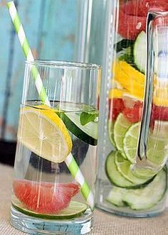Looking for some detox water recipes that will help you lose weight? Here are 11 detox water recipes that will clear your skin and flush toxins. Detox Drinks, Healthy Drinks, Healthy Snacks, Healthy Recipes, Healthy Water, Healthy Detox, Stay Healthy, Vegan Detox, Detox Foods