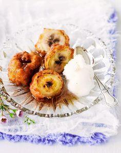 Friteeratut banaanit Camembert Cheese, Panna Cotta, Sweets, Ethnic Recipes, Desserts, Food, Kitchen, Tailgate Desserts, Dulce De Leche