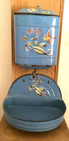 ANTIQUE FRENCH COUNTRY CHIC CHIPPY PAINTED SHABBY WASHSTAND ENAMELWARE LAVABO #FrenchFrenchCountry