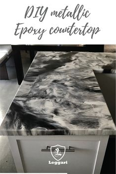 Give your kitchen the look you always wanted with . - Epoxy-Arbeitsplatte - Lend your kitchen with you the look you always wanted. Click the picture to order - Epoxy Countertop Kit, Countertop Materials, Concrete Countertops, Painting Formica Countertops, Formica Kitchen Countertops, Garage Boden, Diy Epoxy, Epoxy Floor, Diy Flooring