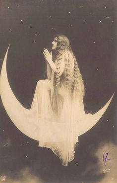 Moon Priestess Surrealistic French Postcard by Arjalew, Paris, ca 1900 Vintage Photographs, Vintage Photos, Wicca, Magick, Witchcraft, Moon Photos, Moon Princess, Paper Moon, Moon Magic