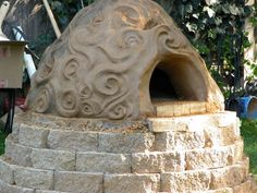 A clay oven built by Kiko Denzer
