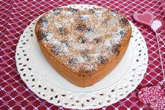 Torta al cocco e amarene, scopri la ricetta: http://www.misya.info/2014/02/05/torta-al-cocco-e-amarene.htm