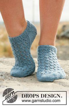 p/neptunia-socks-kurze-drops-socken-mit-lochmuster-in-fabel-free-pattern-by-drops-design - The world's most private search engine Crochet Sock Pattern Free, Knitting Patterns Free, Free Pattern, Pattern Ideas, Drops Design, Lace Knitting, Knitting Socks, Knit Socks, Stine Und Stitch