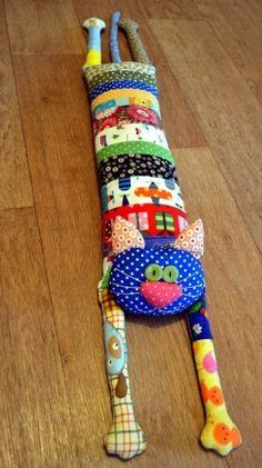 Fabric Toys, Fabric Crafts, Cat Crafts, Diy And Crafts, Sewing Toys, Sewing Crafts, Quilting Projects, Sewing Projects, Quilt Patterns