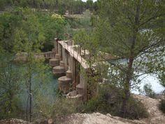 Antigua presa sobre el río Cabriel
