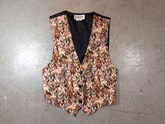 vintage 1990s rabbit tapestry vest. kitch bunny vest. 90s retro animal clothing. | ReRunRoom |