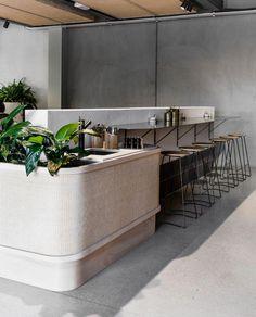 Gorgeous Home Bar And Coffe Table Design Inspirations Cafe Interior Design, Retail Interior, Commercial Interior Design, Cafe Design, Commercial Interiors, Interior Design Inspiration, Interior Architecture, Design Design, Modern Design