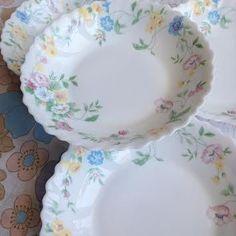 Image of Assiettes Arcopal Fleuries Vintage lot de 4