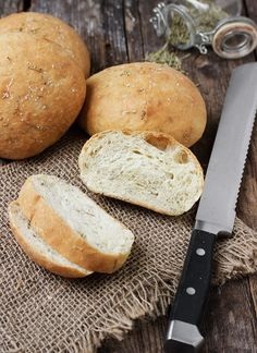 Delicious mini rosemary olive oil bread, perfect for sharing and dipping. This bread freezes beautifully, so extras can be frozen to be enjoyed anytime! Ciabatta Bread Recipe, Bread Dough Recipe, Artisan Bread Recipes, Yeast Bread Recipes, Baking Recipes, Herb Bread, Bread Bun, Holiday Bread, No Knead Bread