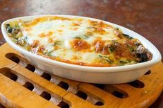 Green gratin - raved about as the best green gratin you'll ever eat . I think it's time I tried this Broccoli and Potato Gratin! Diet Recipes, Vegetarian Recipes, Cooking Recipes, Healthy Recipes, Healthy Food, Recipies, Spinach Bake, Spinach Casserole, Creamy Spinach