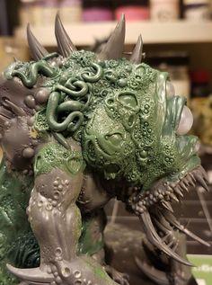 Warhammer 40k Figures, Warhammer Paint, Warhammer 40k Miniatures, Warhammer Fantasy, Warhammer 40000, Chaos Daemons, Fantasy Model, Fantasy Battle, Fantasy Miniatures