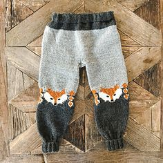 Ravelry: Revebukse pattern by Eva Norum Olsen Kids Knitting Patterns, Baby Cardigan Knitting Pattern, Baby Boy Knitting, Knitting For Kids, Knitting Designs, Knitting Projects, Fox Sweater, Fox Hat, Crochet Fox