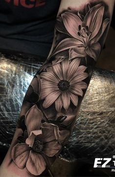 75 Images of Female Arm Tattoos – Photos and Tattoos Tattoo İdea 75 Bilder von weiblichen Arm Tattoos – Fotos und Tattoos Custom Design Tattoo Ideen Dope Tattoos, Forarm Tattoos, Badass Tattoos, Black Tattoos, Body Art Tattoos, Female Tattoos, Tattoos Pics, Tatoos, Easy Half Sleeve Tattoos