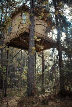 'Urnatur', in Swedish means 'ancient nature'. Wooden retreat in southern Sweden; built by Hakan Strotz and his wife Ulrika Krynitz.