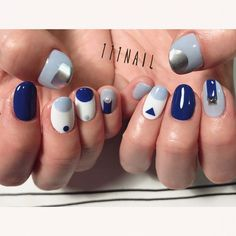 ▽◽▫️◾️◼️◻️ #nail#art#nailart#ネイル#ネイルアート #blue#mode#edge#ショートネイル#nailsalon#ネイルサロン#表参道#blue111#edge111#mode111#cool111 (111nail)