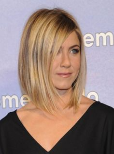 Jennifer Aniston's classic one-lenght bob. Hottie.