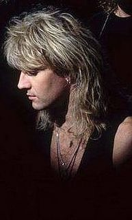 Joe Elliott by Demolition_Woman, via Flickr