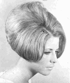 The World's Best Photos of bouffant 1960 Hairstyles, Vintage Hairstyles, Cool Hairstyles, Teased Hair, Bouffant Hair, Updo Styles, Curly Hair Styles, 1960s Hair, Hair Creations