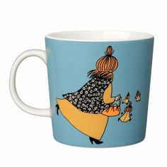 Shop the Moomin Mymble's Mother Cartoon Character Mug by Arabia, a must-have collectible porcelain/ceramic mug decorated with a cult classic Moomin story. Moomin Books, Moomin Mugs, Moomin Shop, Nordic Design, Scandinavian Design, Moomin Cartoon, Tove Jansson, Mug Decorating, Porcelain Mugs