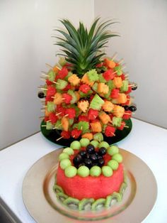 Watermelon Cakes - whole fruit cakes pineapple fruit cake. New Fruit, Fruit And Veg, Fruit Art, Cakes To Make, How To Make Cake, Watermelon Carving, Watermelon Cakes, Fruits Decoration, Fresh Fruit Cake