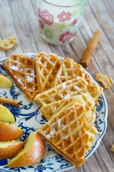 Eastern European Recipes, Sandwiches, Muffin, Food And Drink, Dessert Recipes, Treats, Breakfast, Craft Ideas, Waffles