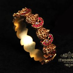 A treasure box of the exquisite! Gold Bangles For Women, Gold Bangles Design, Gold Jewellery Design, Bridal Jewelry, Beaded Jewelry, Gold Jewelry, Ruby Bangles, Jewelry Design Earrings, Temple Jewellery