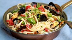 Foto: Tone Rieber-Mohn / NRK Seafood, Cabbage, Spaghetti, Pasta, Meat, Chicken, Vegetables, Ethnic Recipes, Sea Food