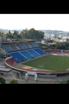 Estadio Francisco Stedile. Rio Grande do Sul. Club Caxias, abierto en 1976, 30.000 pers. Brasil