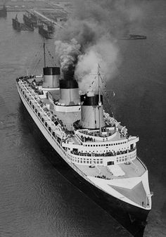 May 1935 The French liner & leaving Le Havre France on the inaugural voyage a record breaking Atlantic crossing to New York The Normandie. Romantic Vacations, Romantic Getaway, Cruise Ship Pictures, Ss Normandie, Legend Of The Seas, Charles Trenet, German Submarines, Abandoned Ships, France