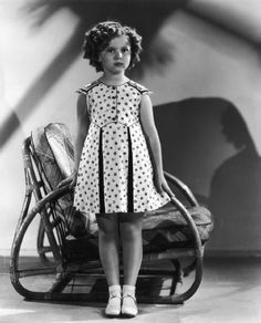 Temple Dress, Hollywood Actresses, Old Hollywood, Classic Hollywood, Shirly Temple, Temple Movie, Temple Pictures, Sleeved Dress, Temple Wedding