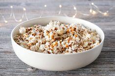KARAMELLPOPKORN | TRINES MATBLOGG Snack Recipes, Snacks, Food, Caramel, Snack Mix Recipes, Appetizer Recipes, Meals, Treats, Finger Food