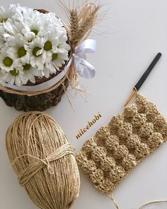 Straw Bag, Winter Hats, Knitting, Instagram, Totes, Clutch Bag, Tricot, Breien, Knitting And Crocheting