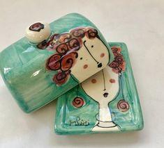 Hand Built Pottery, Slab Pottery, Ceramic Pottery, Pottery Art, Ceramic Painting, Ceramic Art, Cerámica Ideas, Sculpture Clay, Ceramic Sculptures