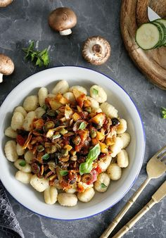 Simple Vegan Gnocchi Puttanesca with mushrooms and zucchini, that's super simple and quick to make, yet it's full of flavor. Vegetarian Gnocchi Recipes, Veggie Recipes, Pasta Recipes, Whole Food Recipes, Cooking Recipes, Healthy Recipes, Vegetarian Food, Pumpkin Recipes, Recipes Dinner