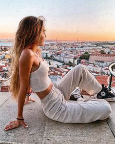"""17.8 mil Me gusta, 96 comentarios - M (@mariaccm_) en Instagram: """"never again I will take for granted anything life brings us"""" Fashion Addict, Girl Fashion, Womens Fashion, Karma, Converse Style, European Summer, Street Culture, Poses, Fashion Tips For Women"""