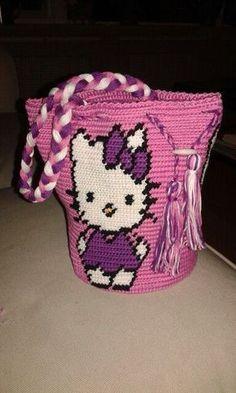 Wayuu Mochila bag hello Kitty) Tapestry Crochet Patterns, Crochet Purse Patterns, Tote Pattern, Macrame Patterns, Crochet Purses, Crochet Stitches, Crotchet Bags, Hello Kitty Bag, Tapestry Bag