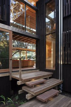 House among the Pohutukawa trees – Sustainable Architecture with Warmth & Texture | Designhunter