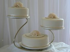 Ideas Hair Half Up Half Down Wedding Cake Toppers For 2019 3 Tier Wedding Cakes, Fondant Wedding Cakes, Wedding Cake Roses, Wedding Cake Stands, Elegant Wedding Cakes, Wedding Cake Designs, Wedding Cake Toppers, Tiered Cake Stands, Tiered Stand