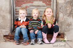 3 siblings poses - 2 brothers & sister - downtown urban step