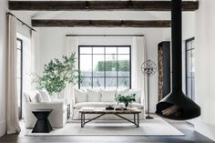 How do you style your home to suit your lifestyle and still look beautiful? Our design expert shares 18 home styling ideas and interior decorating tips. Style At Home, Interior Decorating Tips, Interior Design, Vogue Home, Living Room Designs, Living Spaces, Living Rooms, Hollywood Regency, Living Room Inspiration