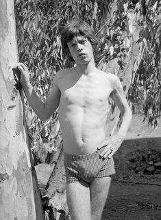 Mick Jagger, Marrakesh, Morocco, 1967 photographed by Cecil Beaton Mick Jagger, Ron Woods, Best Guitar Players, Stone World, Cecil Beaton, New Wave, Robert Plant, Keith Richards, Dark Horse