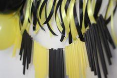 yellow and black girlande