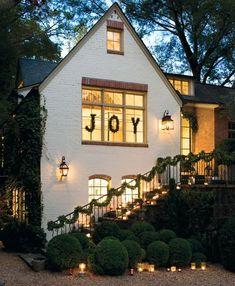Gorgeous exterior Christmas decor #joy #holiday #camillestyles